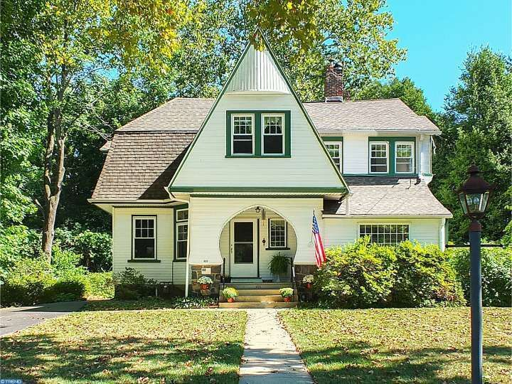 (TREND) Sold: 5 bed, 1.5 bath, 2300 sq. ft. house located at 409 OAK Ln, WAYNE, PA 19087 sold for $710,000 on Jan 5, 2017. MLS# 6860381.