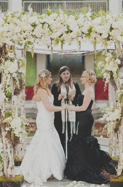 brides lesbian Bella mia