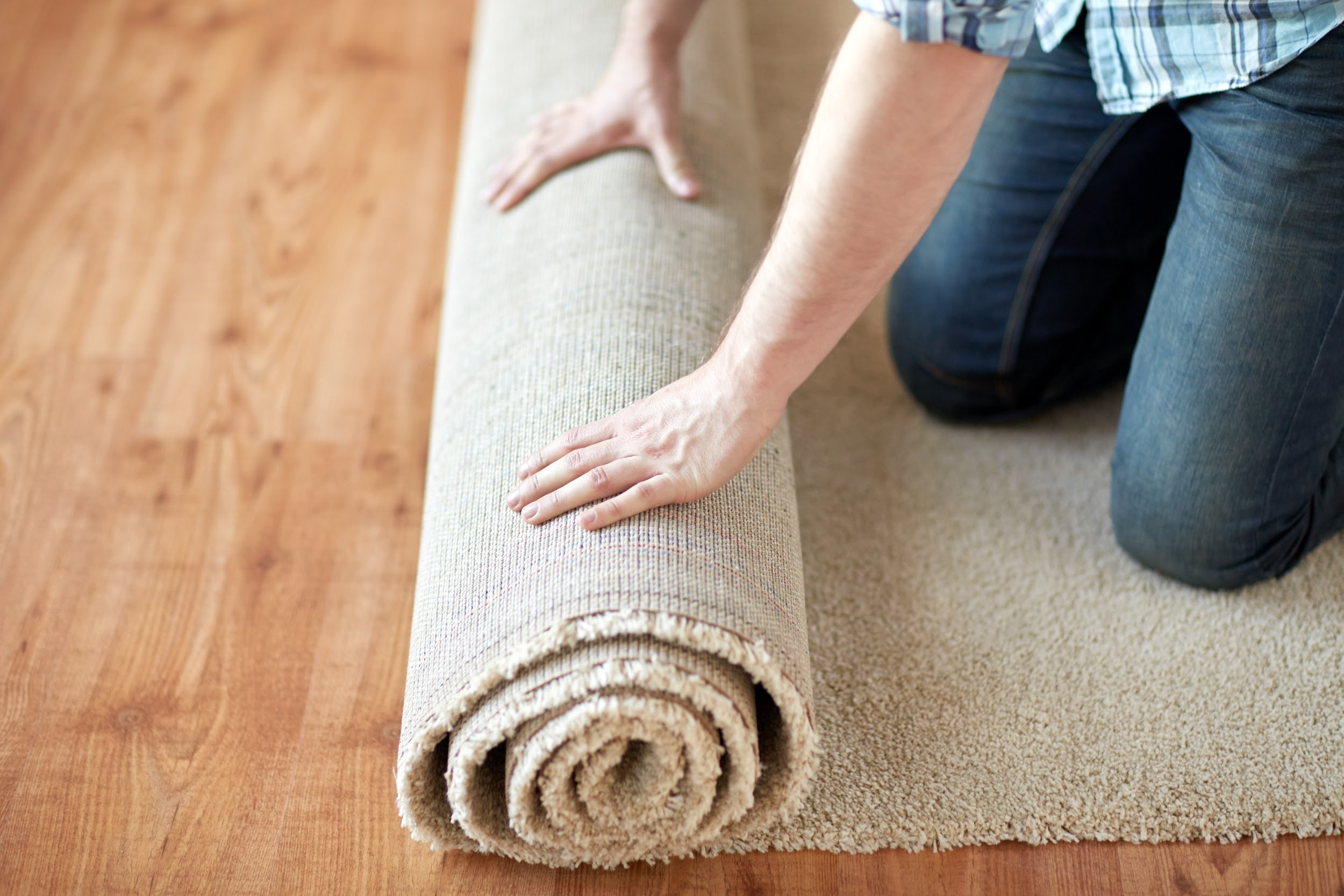 From Carpeting A Small Room To More Creative Ideas Find The Best Uses For Carpet Remnants In Your Home Then St Carpet Remnants Carpet Installation Carpet Tape