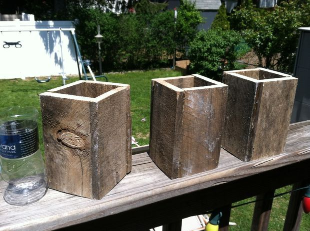 Recycled pallet planter boxes planters search and how for Recycle pallets as garden planters