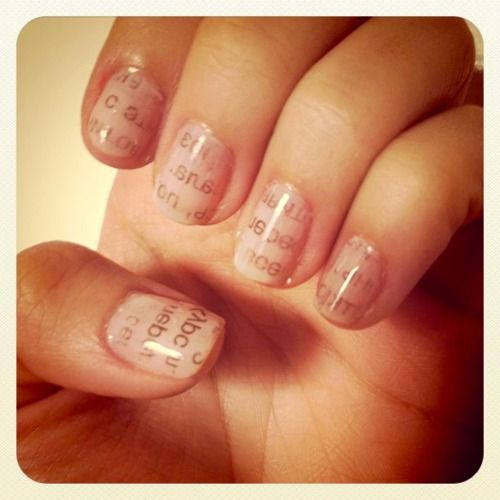 DIY-Nail art- Newspapertext on nails. That's great!