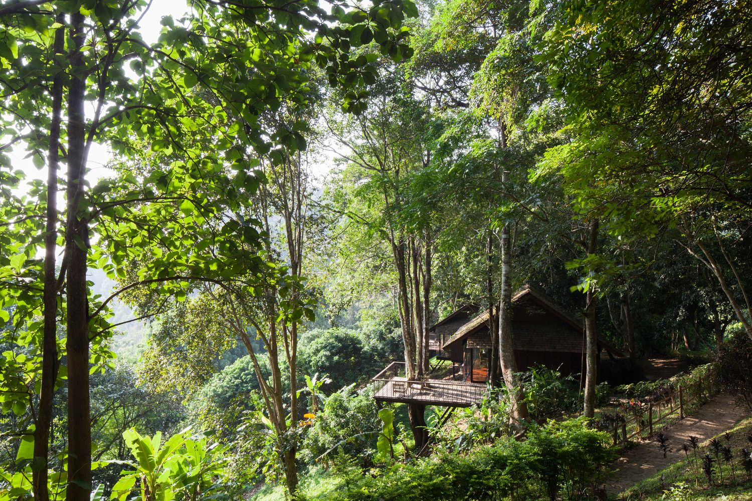 : Hang Dong District, Chiang Mai, Thailand   Gallery of Hill Lodge / SOOK Architects - 17