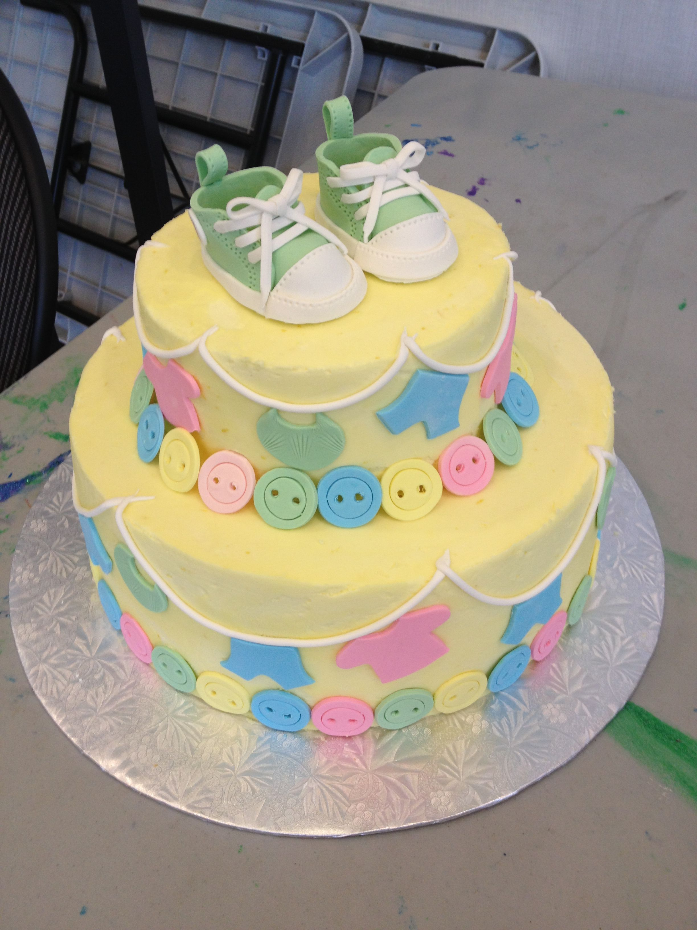 Baby Shower Cake Clothesline And Gumpaste Baby Kicks