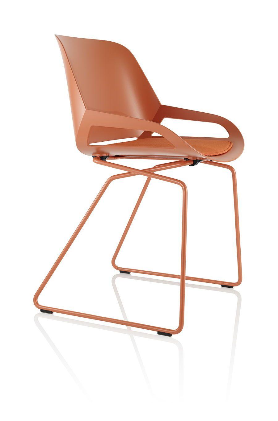 Numo In Der Farbe Coral Im Klassischen Design Er Bringt Farbe In Jedes Buro Oder Home Office Burostuhl Stuhle Kinderschreibtischstuhl