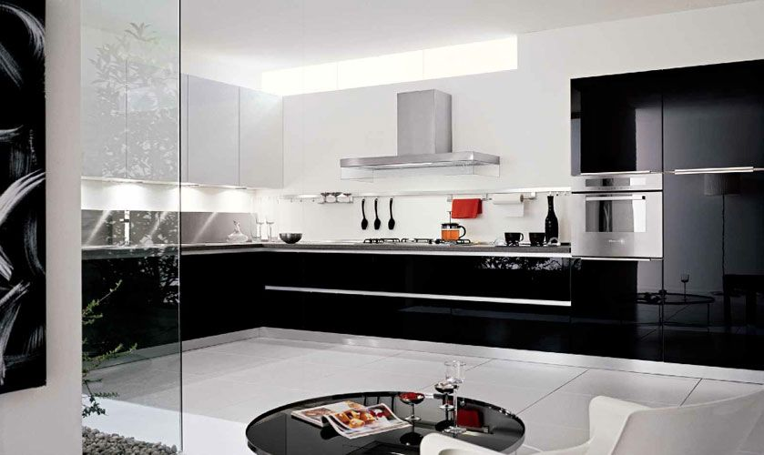 Une Cuisine En Noir Et Blanc Inspiration Cuisine Meubles De Cuisine Noirs Cuisine Noir Laque Cuisine Noire
