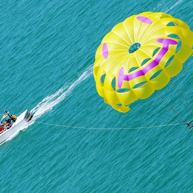 Tag a friend who would go Parasailing!  #parasailing #parasailingadventure #hiltonheadisland #florida #floridabeaches #branson #Missouri #sand #vacation #beach #newyear2017 #relax #boating #saltlife #lakelife #beautiful #love #smile