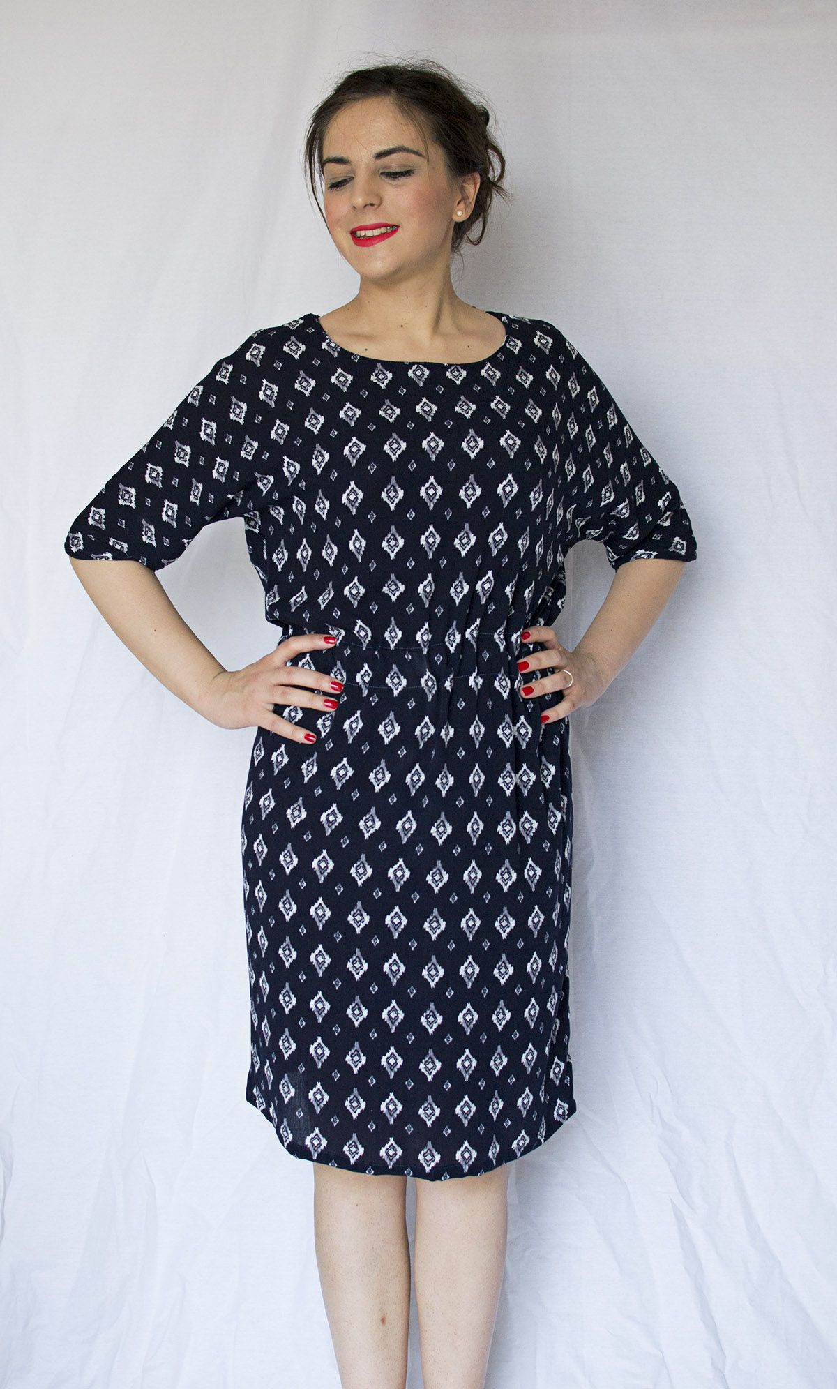 We make new dresses in our wardrobe with our own hands. A pattern of elegant, gorgeous Raglan dress is easy. Instructions and photos