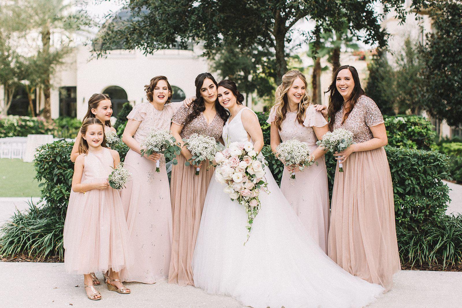 Bluegrass Chic Miranda Grey Photography In 2020 Beautiful Bride Bride Bouquets Bridesmaid Bouquet