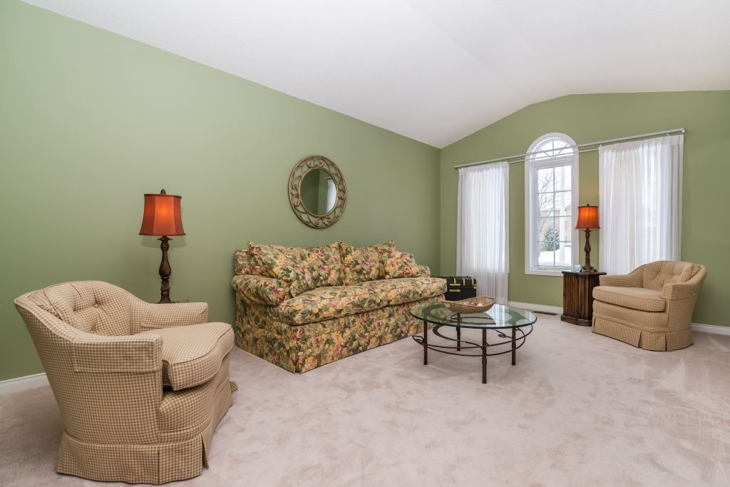 Terrific 1500780 25 Speirs Rd Barrie Detached Ranch Bungalow For Evergreenethics Interior Chair Design Evergreenethicsorg