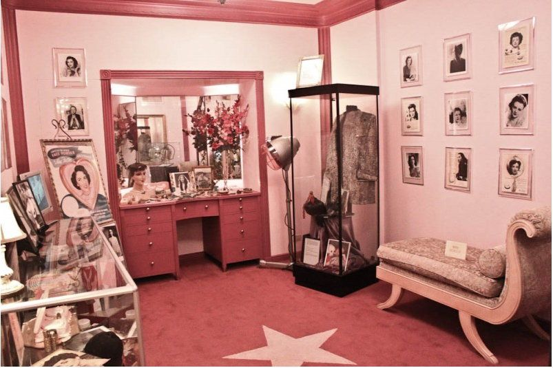 Max Factor Museum brunette room | ♥ MAX FACTOR OF HOLLYWOOD ...