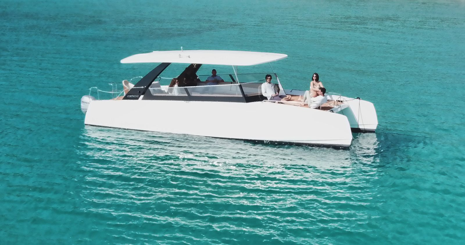 catamarans corthinx pontoon boat boat stuff boat plans catamaran product design [ 1600 x 844 Pixel ]
