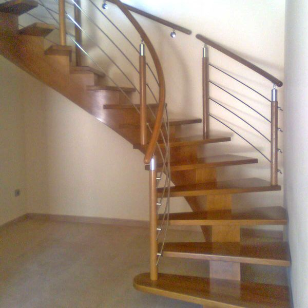 Pin de ricardo ambrosio en escaleras maderas escaleras - Escalera caracol de madera ...
