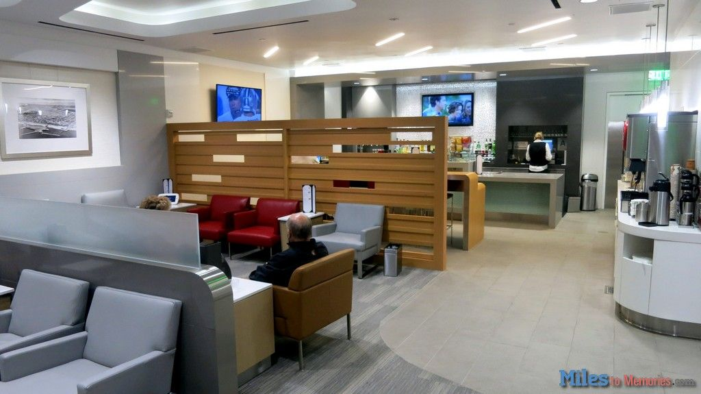 Find Out Why the New Admiral's Club at the AA LAX Remote Terminal is my FAVORITE! - http://milestomemories.boardingarea.com/admirals-club-lax-remote-terminal/