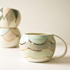 KaroArt Ceramics- Golden Globe Cup Scallops #tazasceramica KaroArt Ceramics- Golden Globe Cup Scallops #tazasceramica