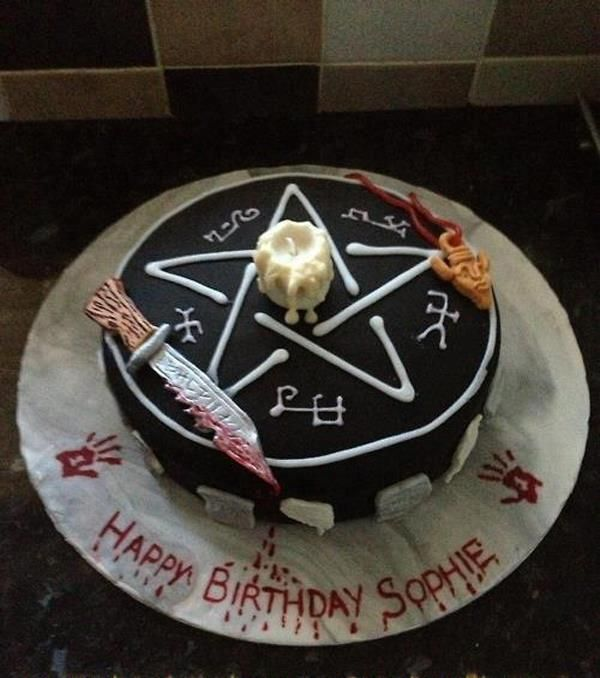 OMFG A SUPERNATURAL CAKE! I want one.