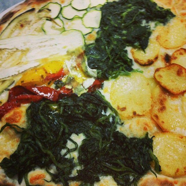http//www.pizzeriailpergolatotivoli.it/ Pizza vegetariana