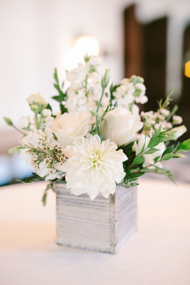 6 Tips to Keeping Your Centerpieces Chic - Willowdale Estate -  Simple centerpiece perfect for a ba