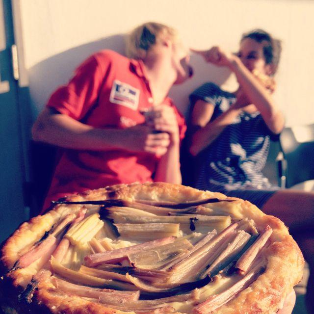 Lluisa's rhubarb cake brings happiness and sunshine