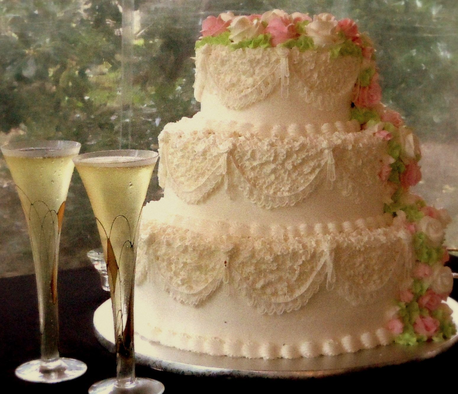 Publix Wedding Desserts: Beautiful Wedding Cake With Roses By Publix Bakery At Gov