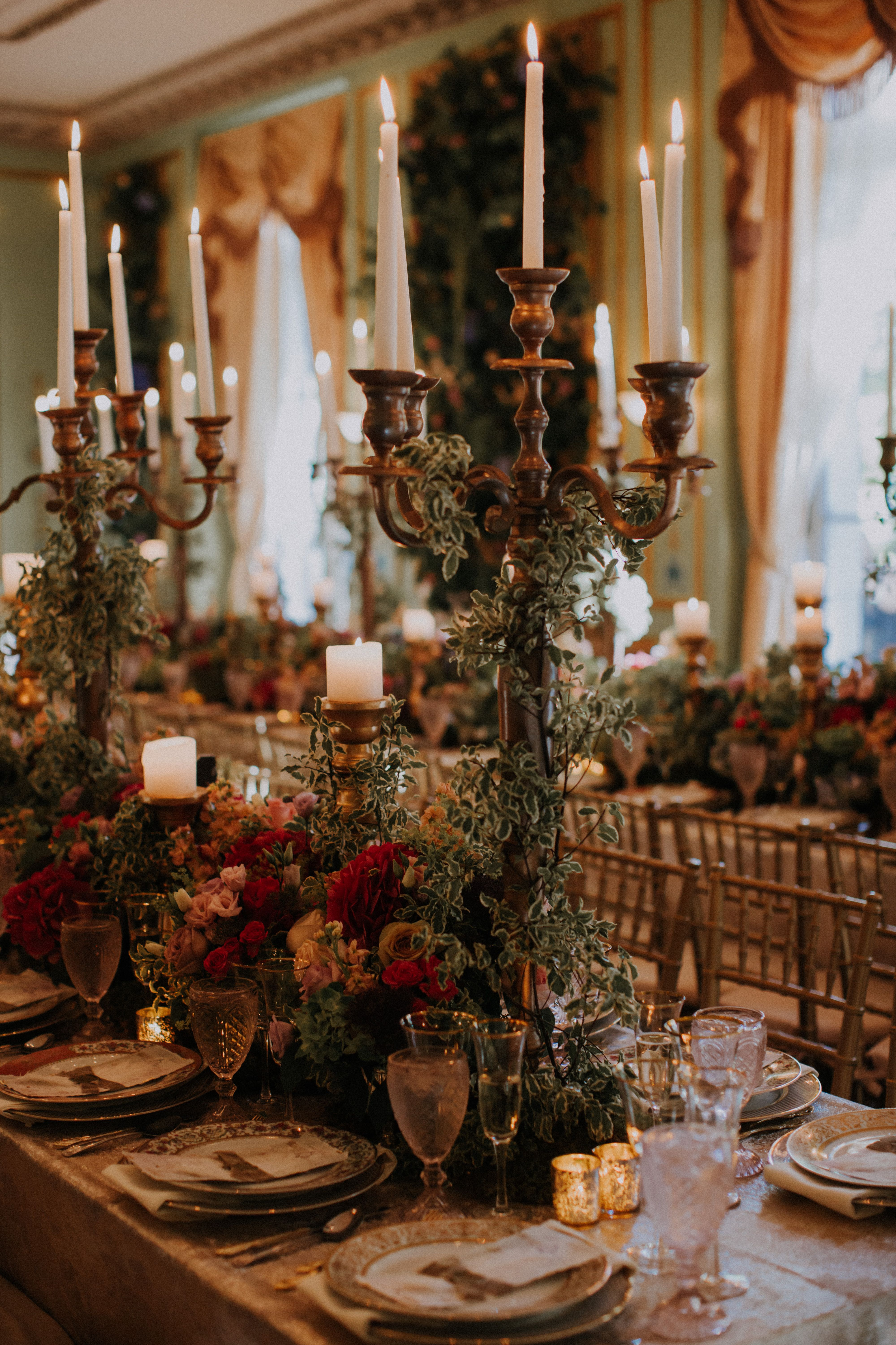 table settings that inspire alder manor wedding a decadent rh pinterest com