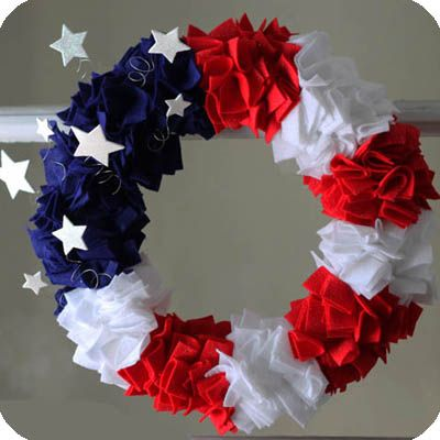 Patriotic DIY felt wreath