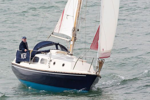 The Westerly Pageant 23 yacht 'Nicru' sailing in the Solent