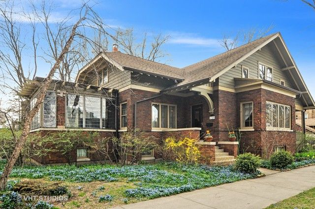 single family property for sale with 4 beds 2 baths in chicago il rh pinterest ca