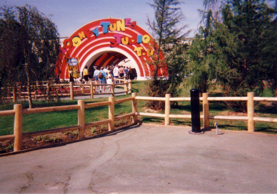 warner bros movie world germany looney tunes studio tour 1996 movie park nostalgia. Black Bedroom Furniture Sets. Home Design Ideas