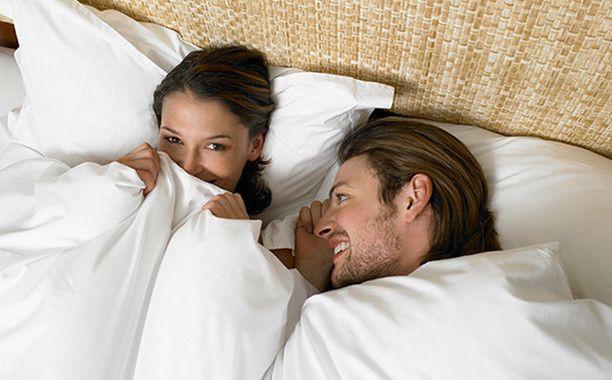 Как мужчины намекают на секс