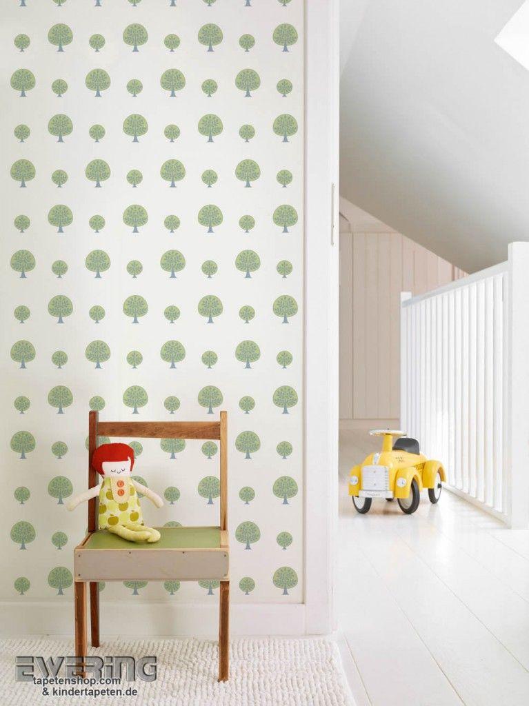 Schaffen Sie im Kinderzimmer mit der Mustertapete mit grünen Bäumen - das moderne kinderzimmer