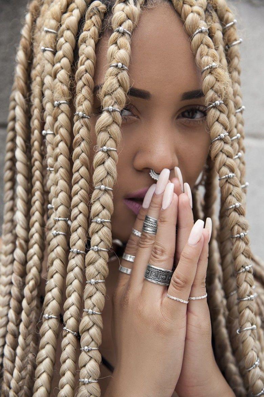 Pr te tester une de ces coiffures tress es absolument sublimes cheveux pinterest - Deux tresse africaine ...