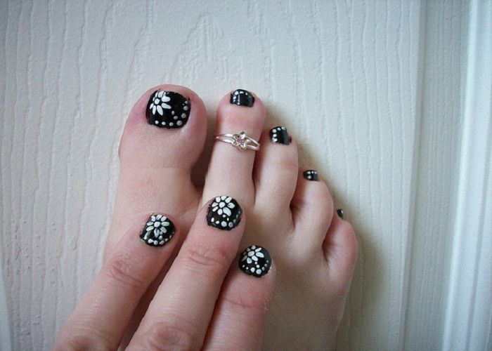 Black And White Floral Toenail Easy Nail Designs For Short Nails -  Celebrity plastic surgery photos - Black And White Floral Toenail Easy Nail Designs For Short Nails