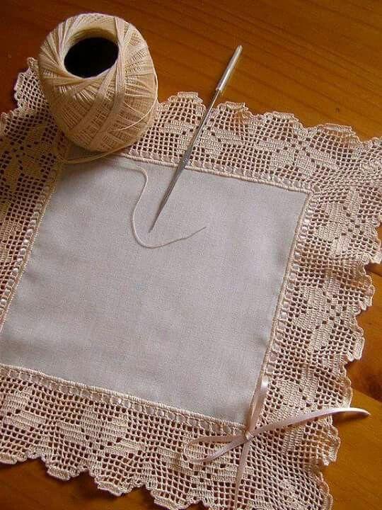 Centro de mesa tela + crochet | pañuelo | Pinterest | Centros de ...