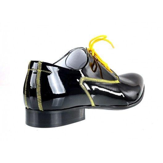7338db079ce Pánské kožené extravagantní boty černé - manozo.cz