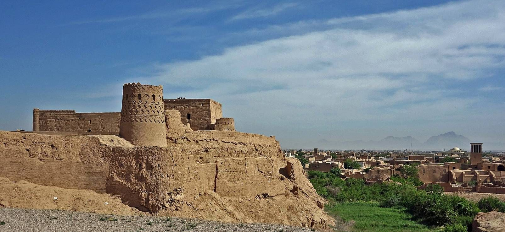 офисных иран старая крепость фото будет