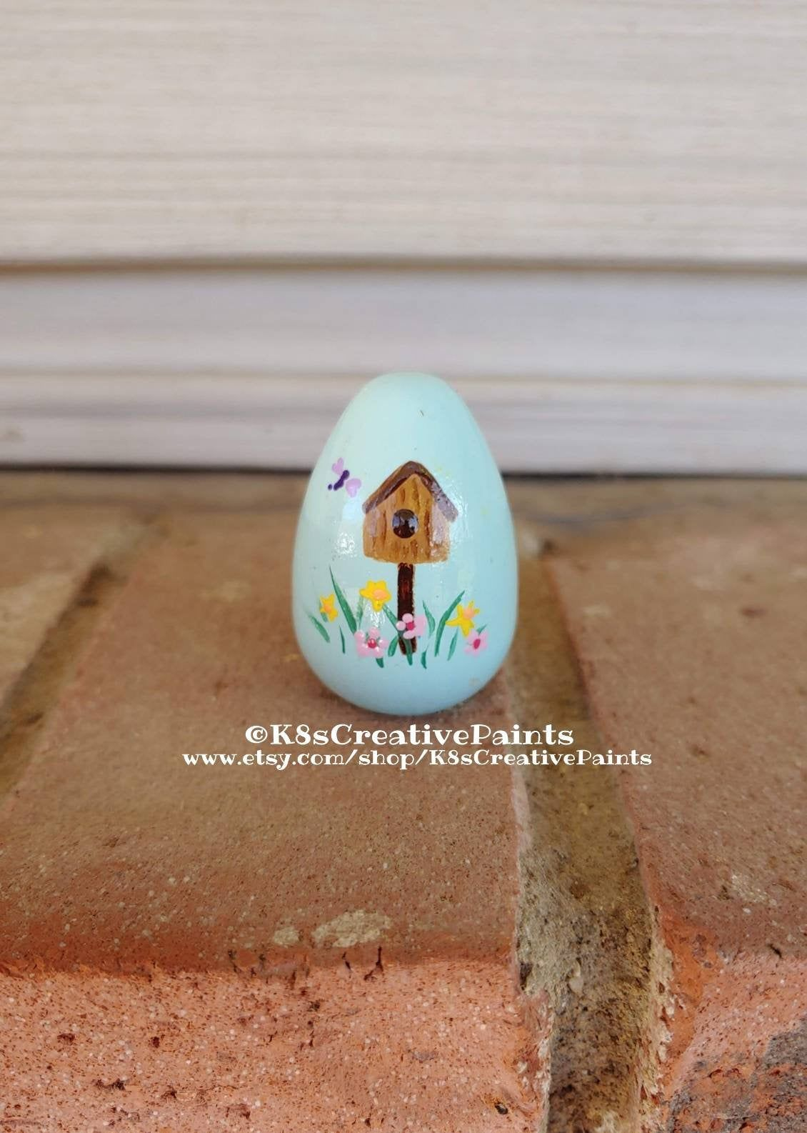 Hand Painted Wooden Easter Egg In Light Blue With Floral Etsy Easter Egg Designs Easter Eggs Dragonflies Design