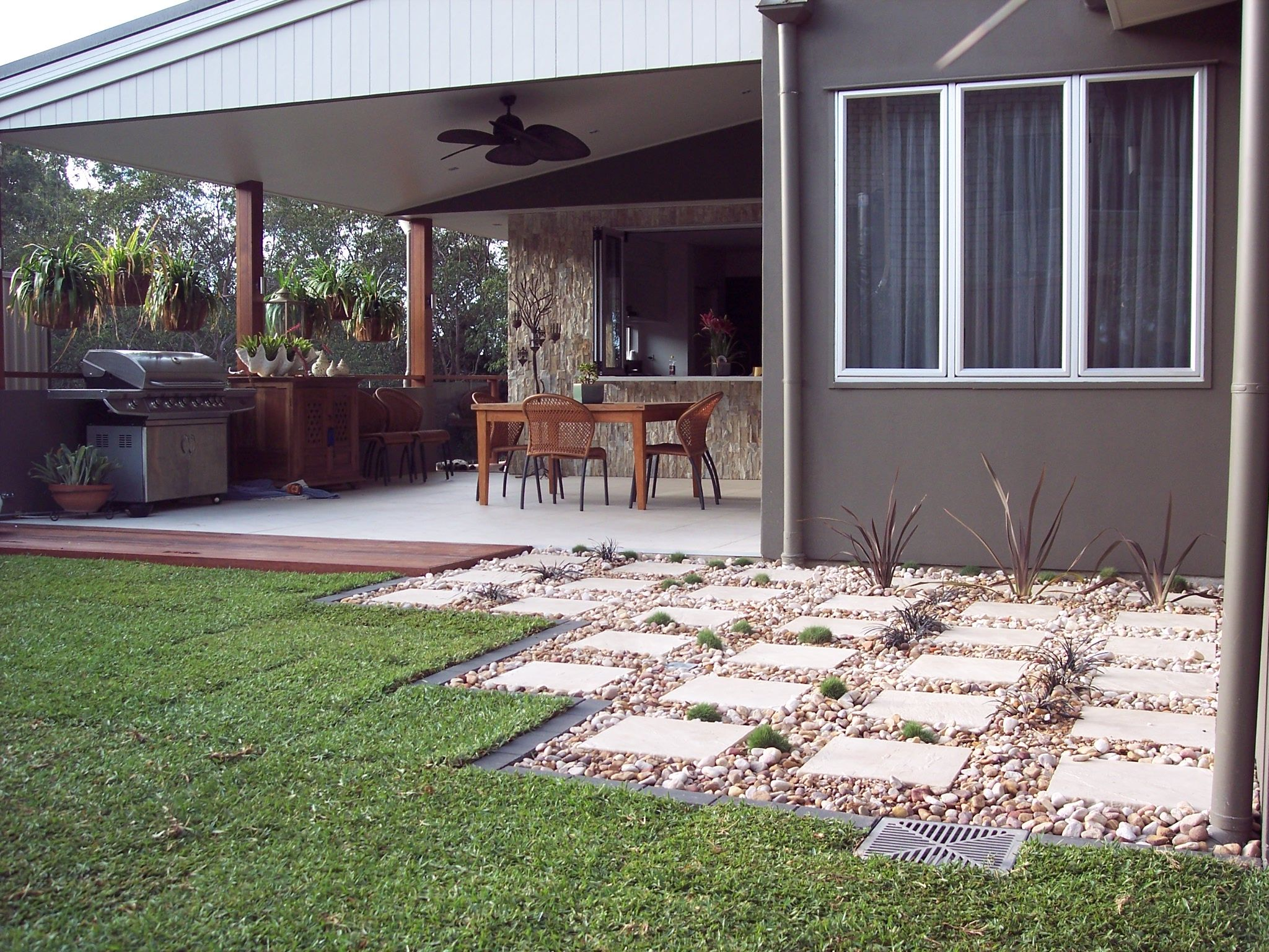 Low maintenance backyard landscaping ideas impressive for Low maintenance garden ideas pinterest