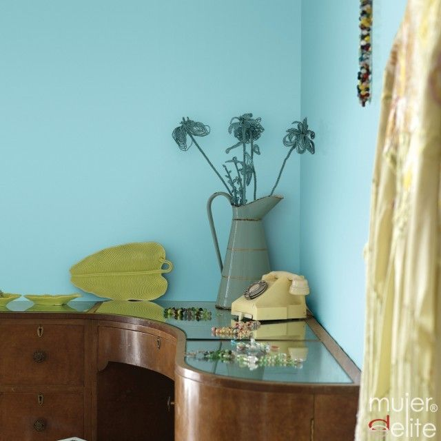 Keltainen talo rannalla: Väriä sisustukseen