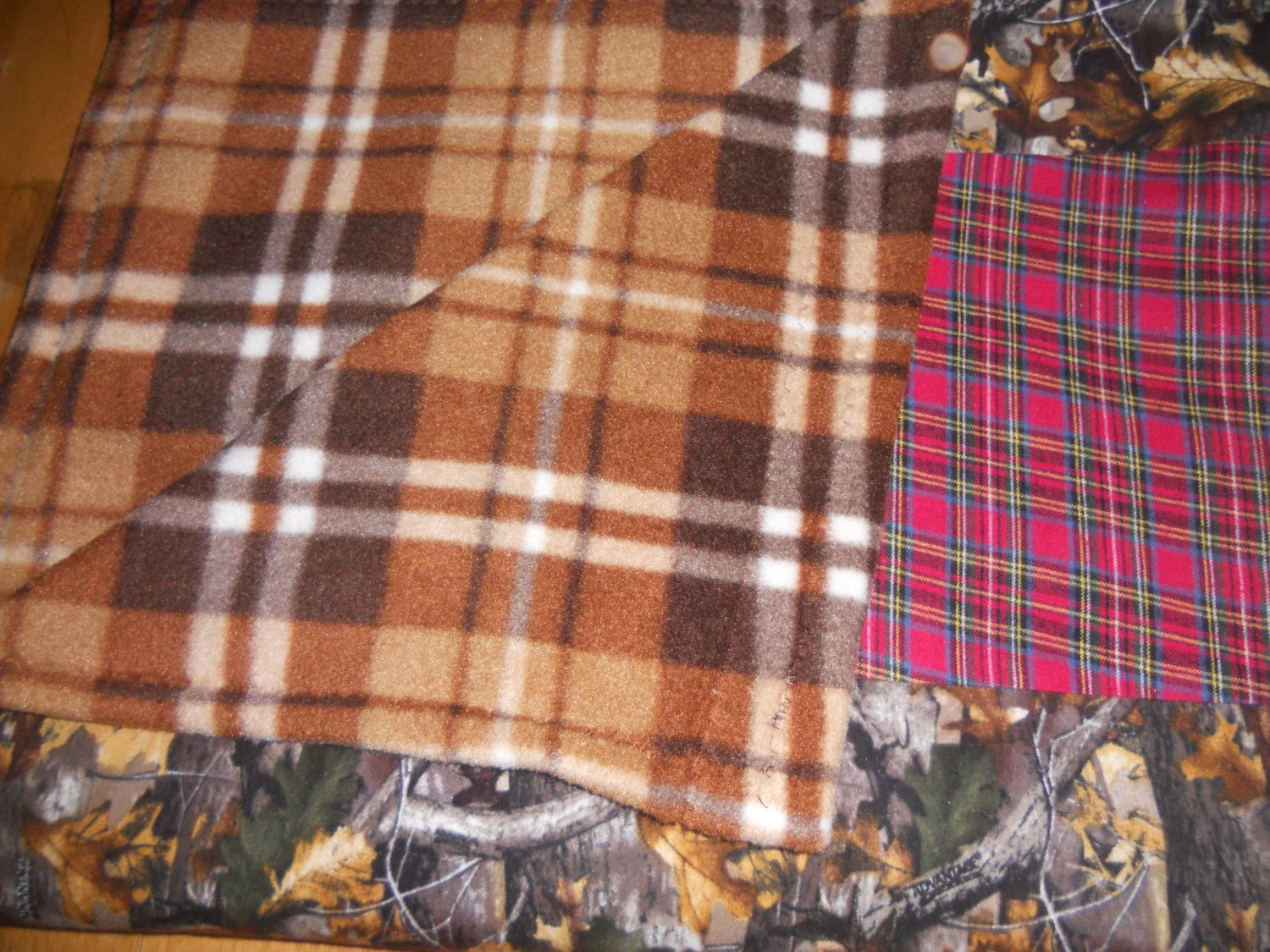 Fleece vs flannel  Flannel Fleece blanket Blanket prefect for campinggoing to a game