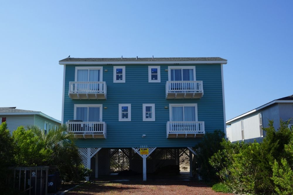 Holden Beach Nc That S A Moray 1003 Obw A 4 Bedroom Oceanfront Rental House In Holden Beach Part Of T Oceanfront Rentals Beach Vacation Places Holden Beach