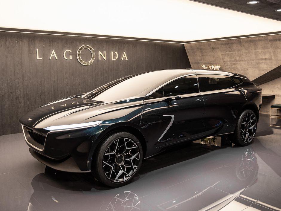 Aston Martin S Lagonda All Terrain Concept Is A Hyper Luxe Electric Suv Roadshow Aston Martin Lagonda Luxury Suv Aston Martin Cars