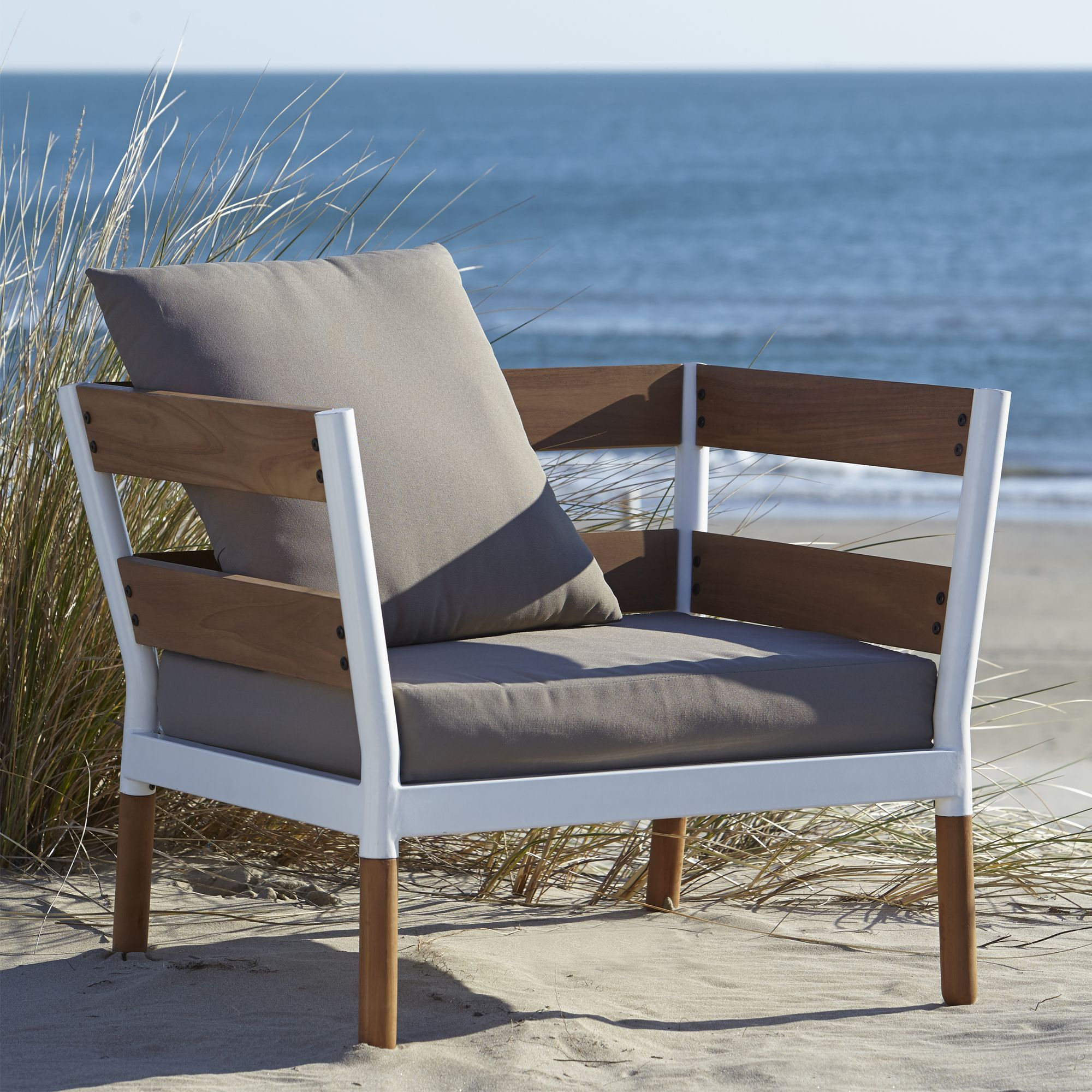 Fauteuil de jardin design Blanc taupe Blush Les fauteuils de