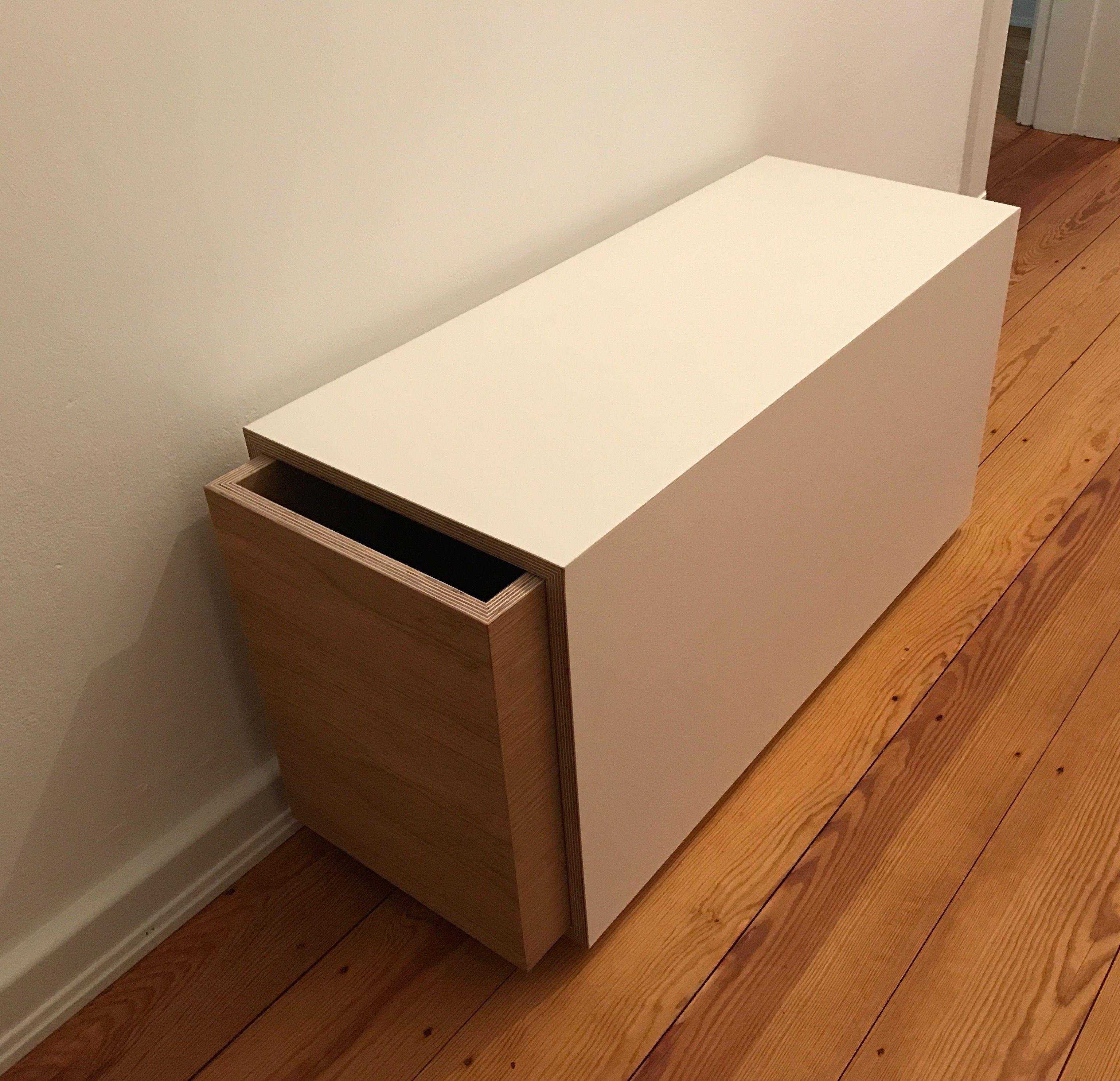 Schuhbank Mortimer Beim Kunden Angekommen. Eine Schlichte Kiste Aus  Hochwertigen Multiplexplatten Ist Die Hülle Der
