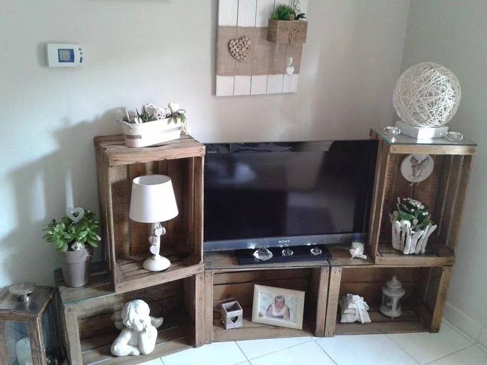 meuble tv avec des caisses en bois pomme caisse meuble t l id es pinterest. Black Bedroom Furniture Sets. Home Design Ideas
