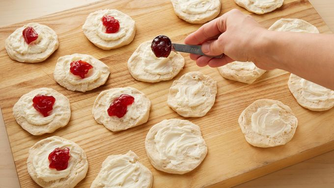 Strawberries and Cream Pull-Apart Bread | Recipe | Pull ...