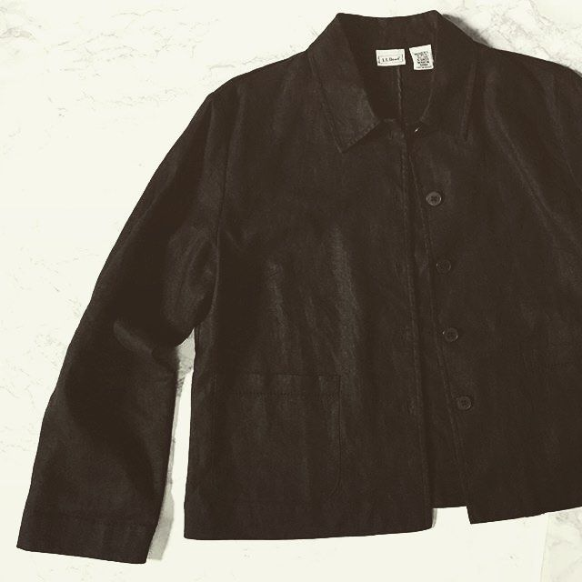 shop at @minminvintageshop • L.L.Bean black linen jacket #vintage #vintageshop #vintagellbean #linen #linenjacket