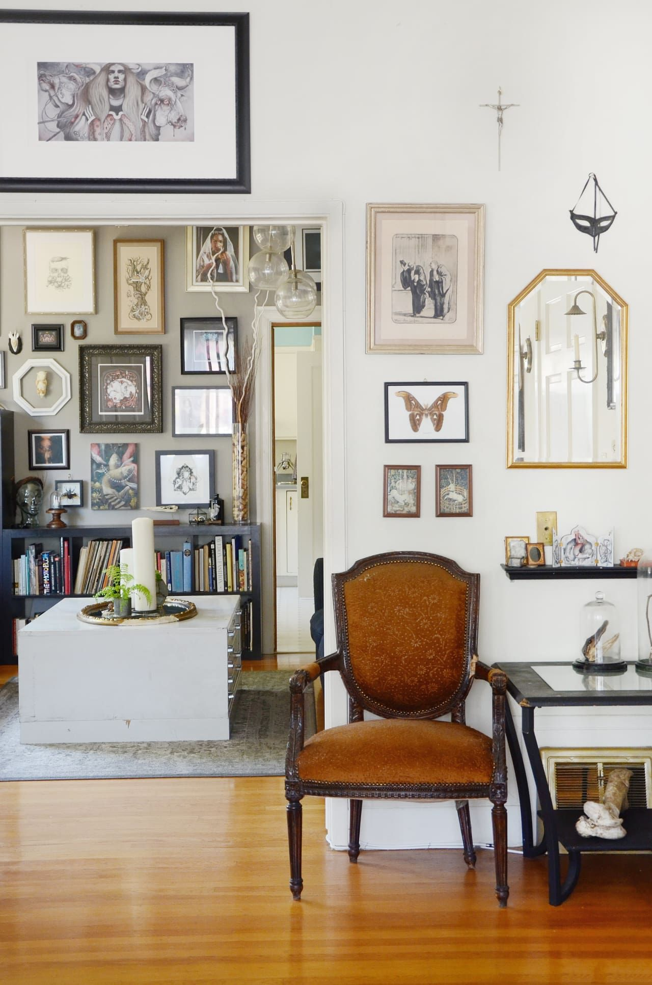 Victorian Style In An Oakland Apartment Of Wonder Oddities