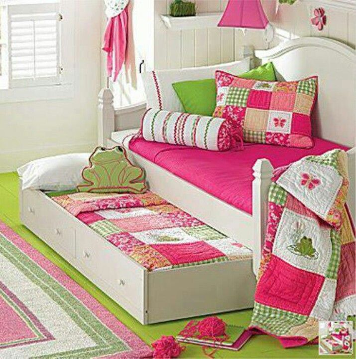 Girls daybed with trundle - love these quilts & cushions! - Girls Daybed With Trundle - Love These Quilts & Cushions! Our