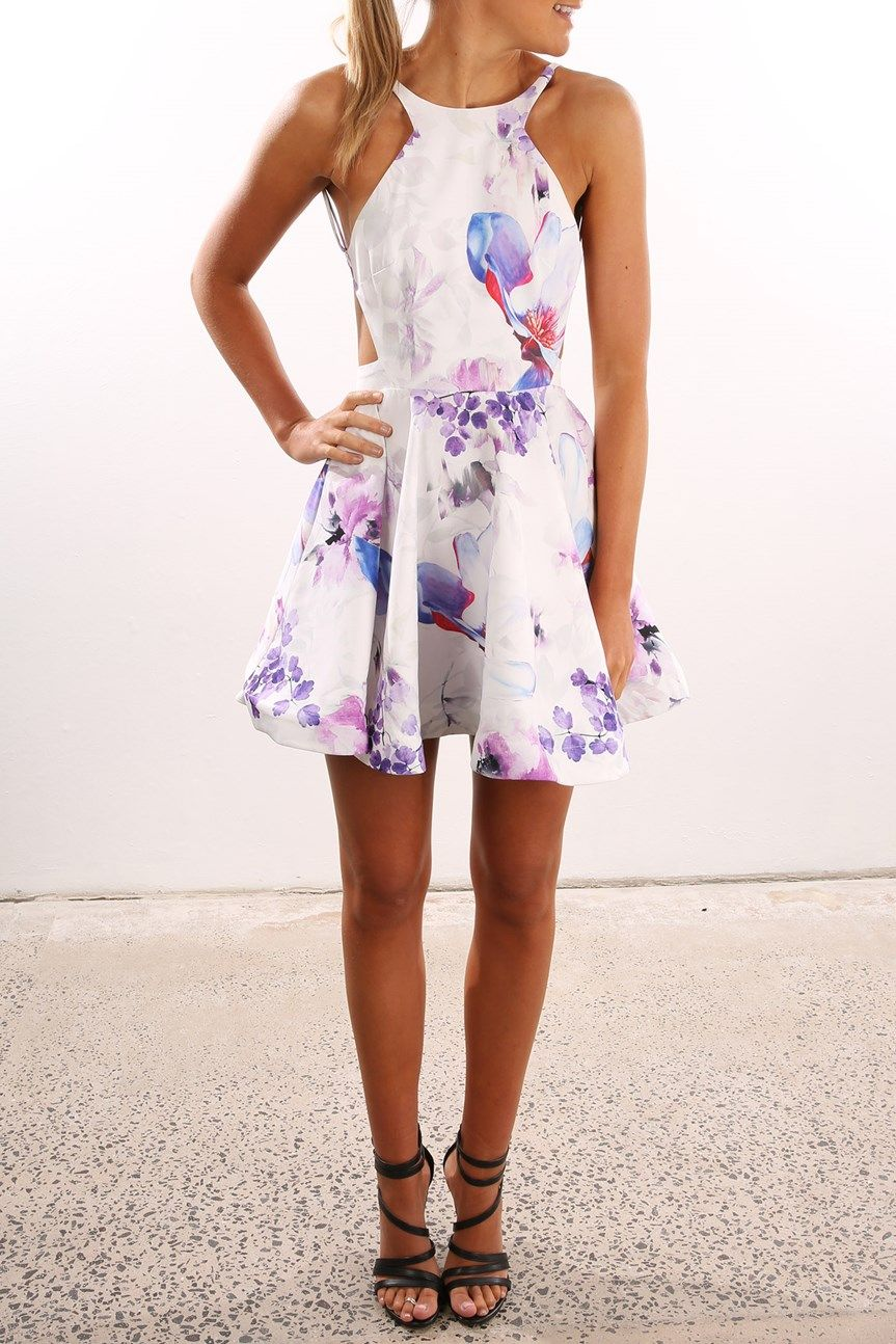 Shop Online Now for the hottest trends.  Women dress online