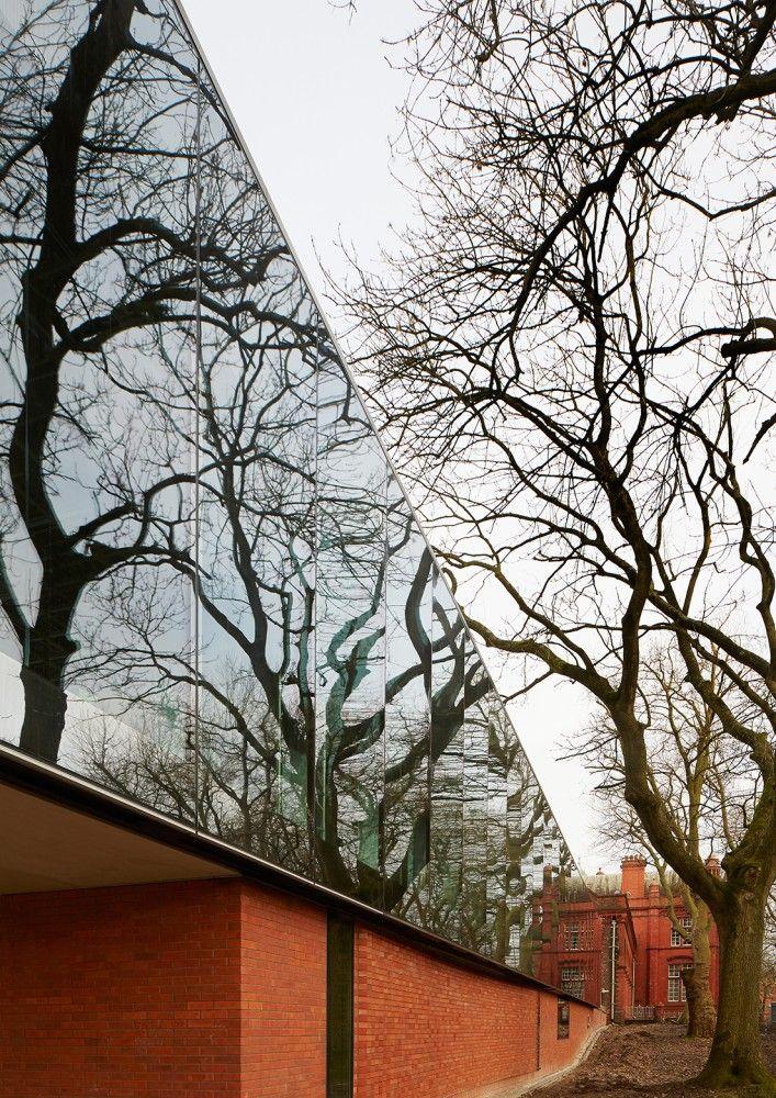 The Redevelopment Of The Whitworth / MUMA